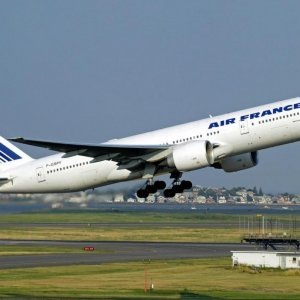 Air France Backs Down Over Crew Demand