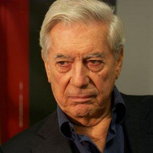 Vargas Llosa's 'Five Corners' Among Best-Sellers