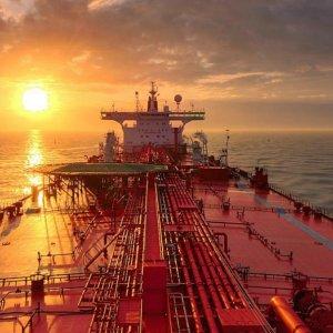 Iran Outwitting Saudis  on Oil, Bloomberg Says