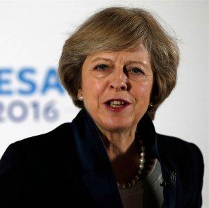 British PM Seeks to Tap India Market