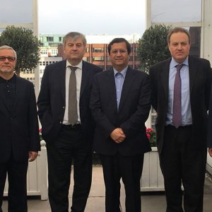 CII President Abdolnasser Hemmati (C) met with British and French insurers in London on Friday.