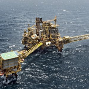 According to Oil Minister Bijan Namdar Zanganeh, Iran needs $50 billion to develop the joint oil and gas fields.