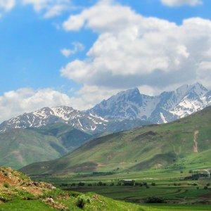 Kamandan Village in Lorestan Province