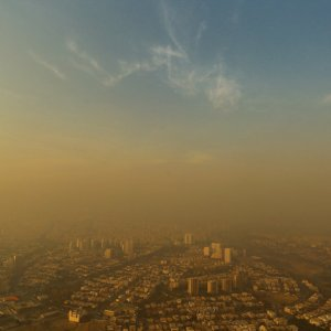 Five major cities, namely Tehran, Arak, Isfahan, Karaj and Qazvin, have all been experiencing severely polluted air in the past few days.