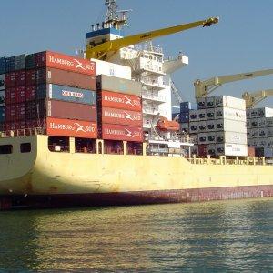 Japan Logs $4b Trade Surplus in October