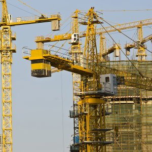 In China actual infrastructure construction costs are on average 30.6% higher than estimated costs, in real terms.
