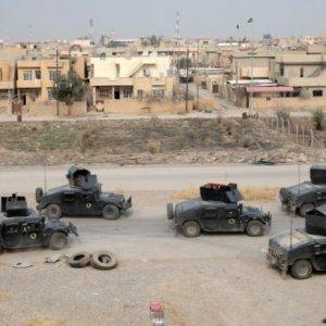 Iraqi Army Elite Force Pauses Advance Near Mosul
