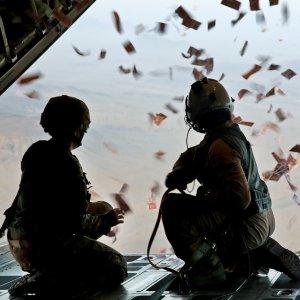 Iraq Drops Leaflets Over Mosul