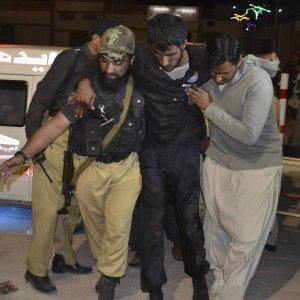 Gunmen Kill 59 in Pakistan