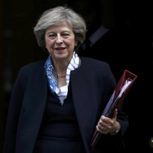 British Prime Minister Theresa May (L) and Scottish First Minister Nicola Sturgeon