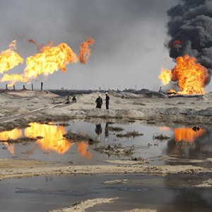 Iraq Offers 12 Oilfields Under New Contract Terms