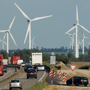 Global Renewable Energy Capacity Overtakes Coal