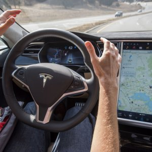 Tesla Fully Autonomous Cars Ready by 2017