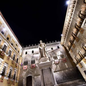 In Italy, one reason clearing bad loans can be difficult is that the courts are clogged, meaning it can take years to pursue the debtors and recover money. The picture shows the headquarters of Banca Monte dei Paschi di Siena.
