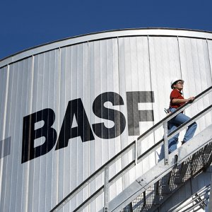 BASF Profit Hurt by Weak Demand for Farm Products, Lower Oil Price
