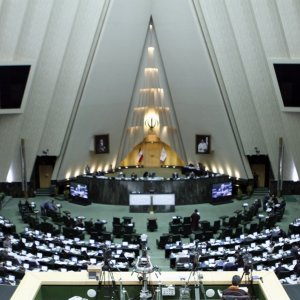 Majlis Votes to Boost Missile Production Capacity