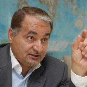 US Anti-JCPOA Moves Fuel Iranians' Distrust