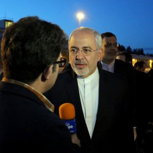 Zarif Calls on Norway FM, Speaker
