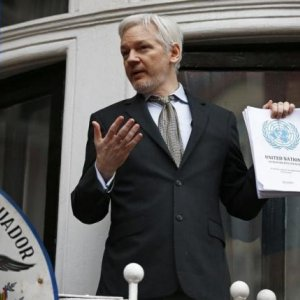 Swedish Court Upholds Assange Arrest Warrant