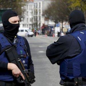 Belgium Detains 12 Suspected  of Planning New Attacks