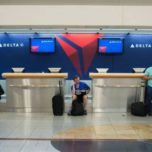 Delta Air Lines Offers Refunds for Flight Cancellations