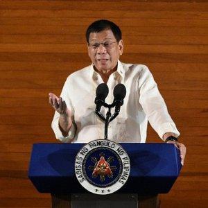 Philippine Officials Linked  to Drug Trade Surrender