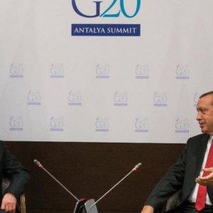 Erdogan Visits Russia to Mend Bilateral Ties