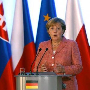 Half of Germans Against Merkel Serving 4th Term