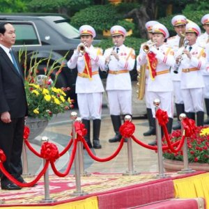 US Lifts Arms Ban on Vietnam