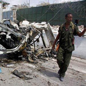 Somalia Bombings Kill 17 at Local  Government HQ, Market