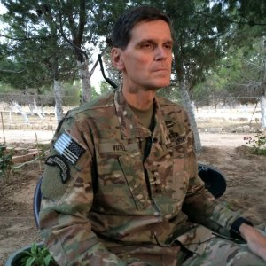 Top US Commander Visits Syria Secretly