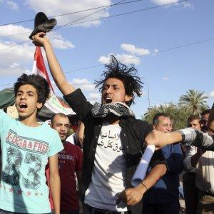 Iraqis Protest as Political Deadlock Deepens