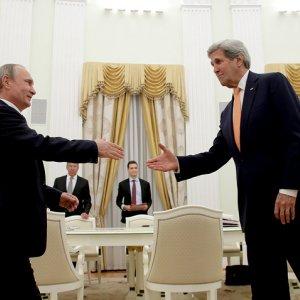 "Putin, Kerry Hold ""Constructive"" Talks"