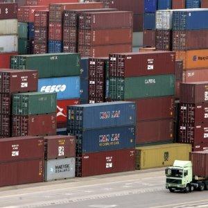 Record Surplus in 4-Month Non-Oil Trade