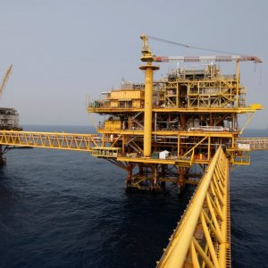 Iran to Start Vetting Int'l Oil, Gas Contractors