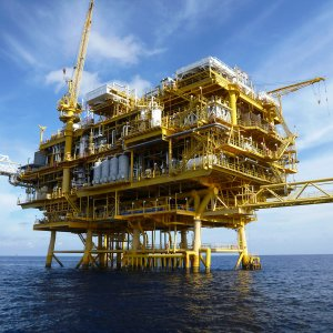 Iran Lists Domestic Contractors for Oil, Gas Projects