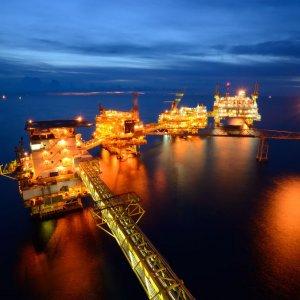 Iran's MP Pushes for Facilitating FDI in Oil, Gas Sectors