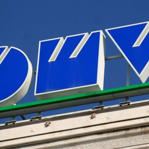 OMV Says Waiting for Clarity in Oil Contracts