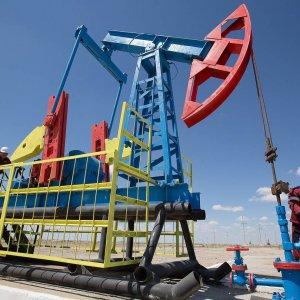 Oil Producers Prepare for New Slump, Tap Capital Markets