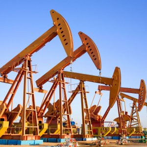2-Year Decline in Global Oil Rigs