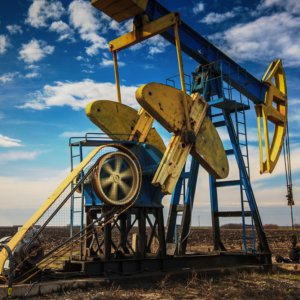 Shale Revolution Extends to   Old Wells, Unleashes Output