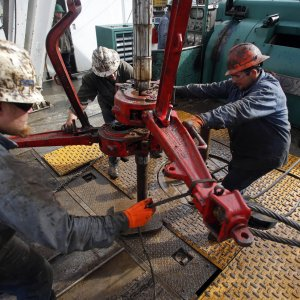 US Shale Drillers Add Rigs for Longest Streak in a Year