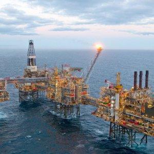 Iran-China Oilfield Talks Underway