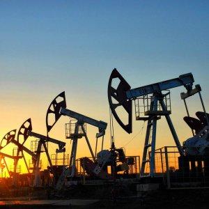 Zanganeh: Iran's Rebound Not Affecting Crude Prices