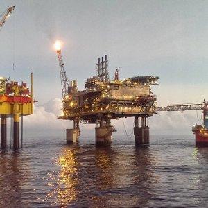 Saudi Price War Cannot  Impede Iran Oil Growth