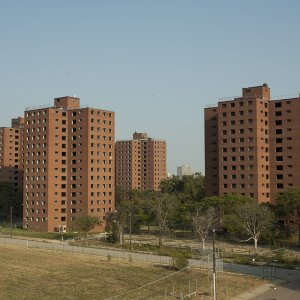 Iran to Build 100,000 Housing Units in Algeria