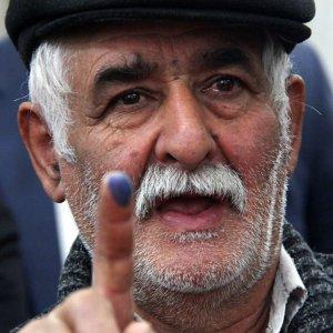 Iranians Vote in Parliamentary  Runoffs