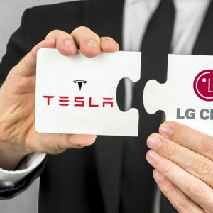 LG Signs EV Deal With IKCO