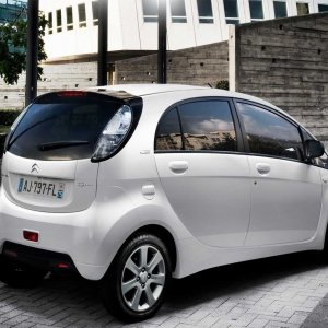 Peugeot's EVs for Iran