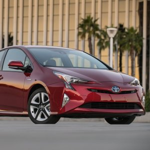 Iranian interest in hybrid vehicles seems to be on the rise, as Toyota's hybrid Prius is slowly gaining a larger share.